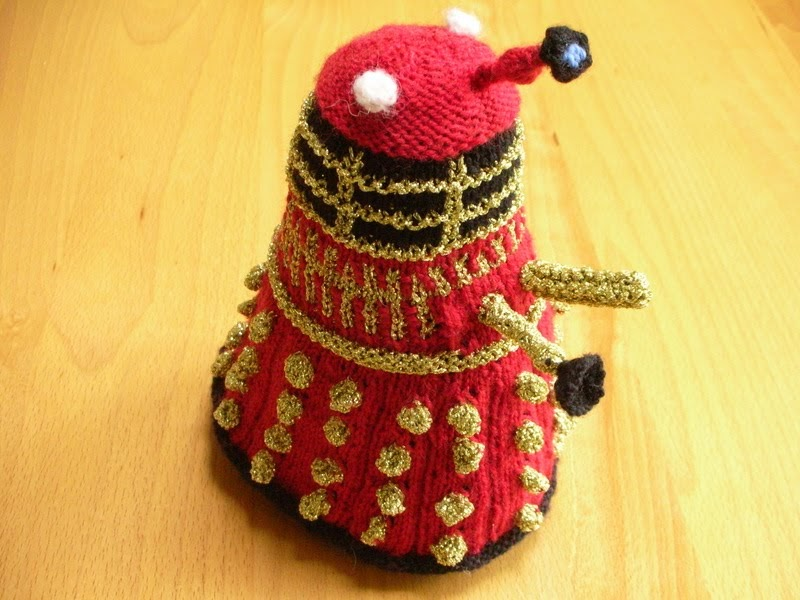 Free Baby Blanket Knitting Patterns Chunky Yarn : Felted House: Knitted Daleks