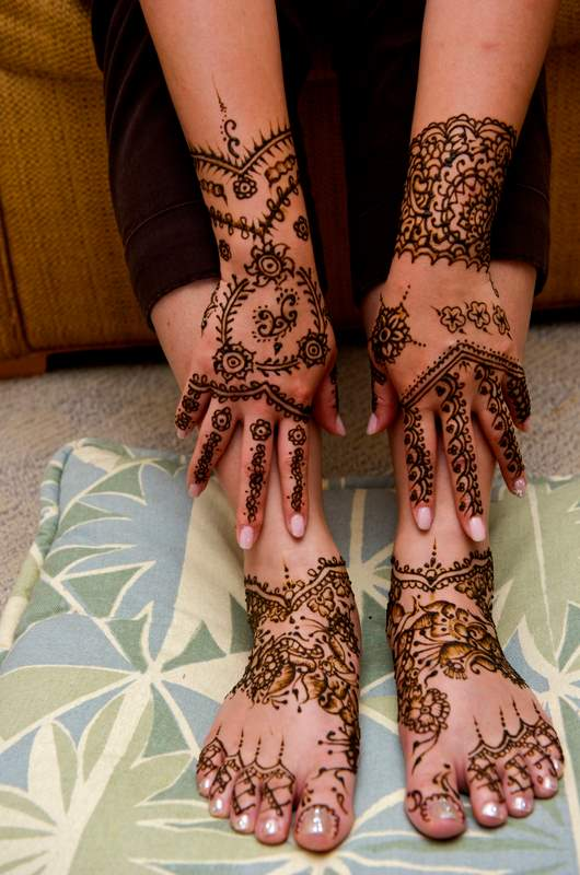 Mehndi Party Hindu : Bridal henna mehndi is an integral part of hindu or