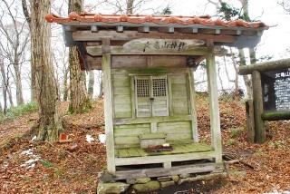 山頂の女亀山神社の写真
