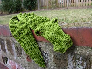 Free Knitting Pattern For Alligator Scarf : FREE KNITTING PATTERN FOR ALLIGATOR SCARF   KNITTING PATTERN