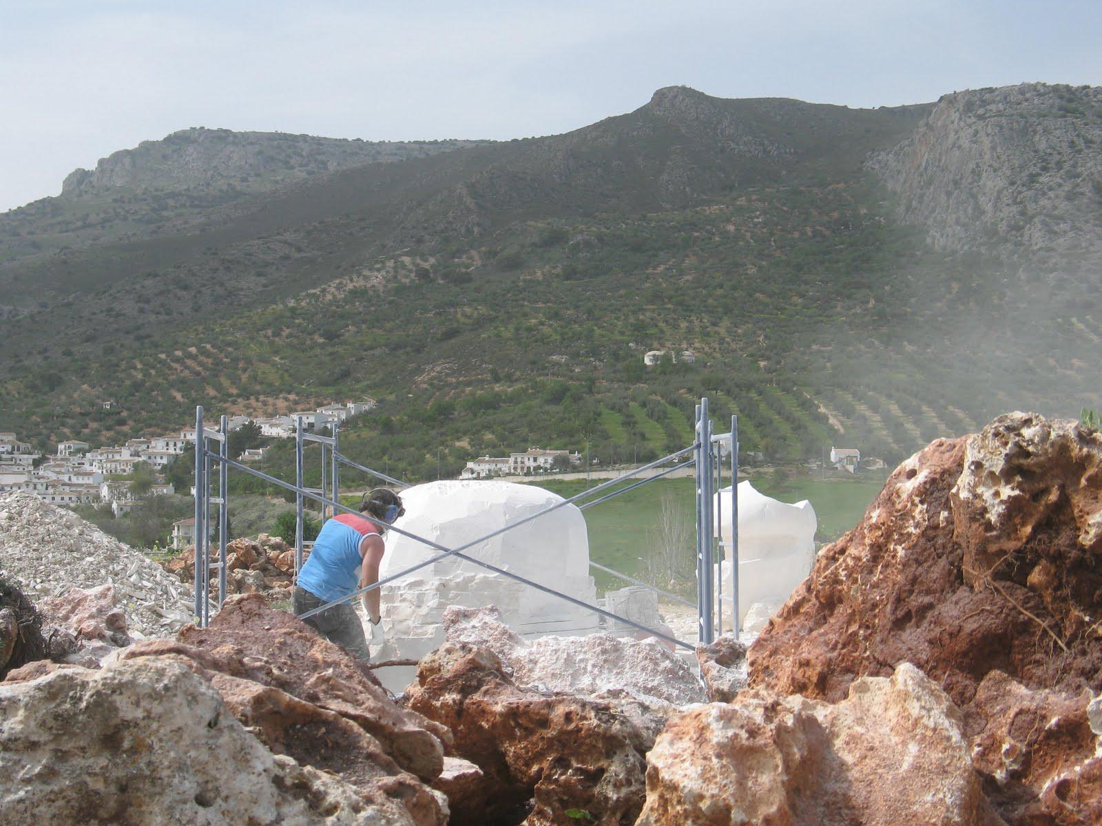 Gurumelo en la bolva de piedra proceso escultura for Jardin micologico la trufa
