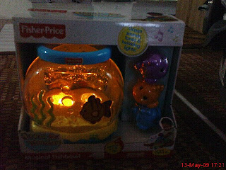 Colourful fisher price ocean wonders musical fishbowl for Fisher price fish bowl