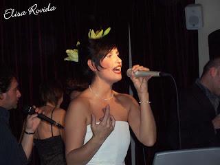 La cantante bresciana Elisa Rovida, una piacevole rivelazione durante il concerto al matrimonio di Tom Cruise e Katie Holmes
