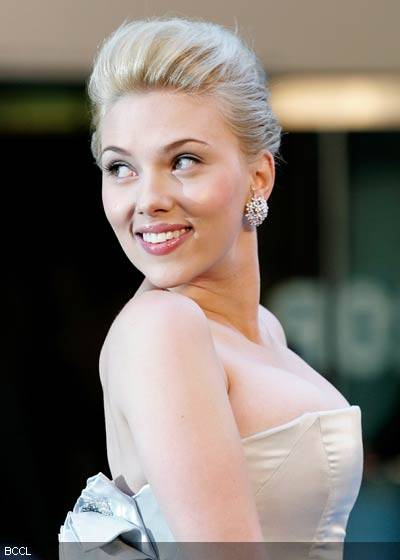 Scarlett Johansson Hairstyles Gallery, Long Hairstyle 2011, Hairstyle 2011, New Long Hairstyle 2011, Celebrity Long Hairstyles 2037