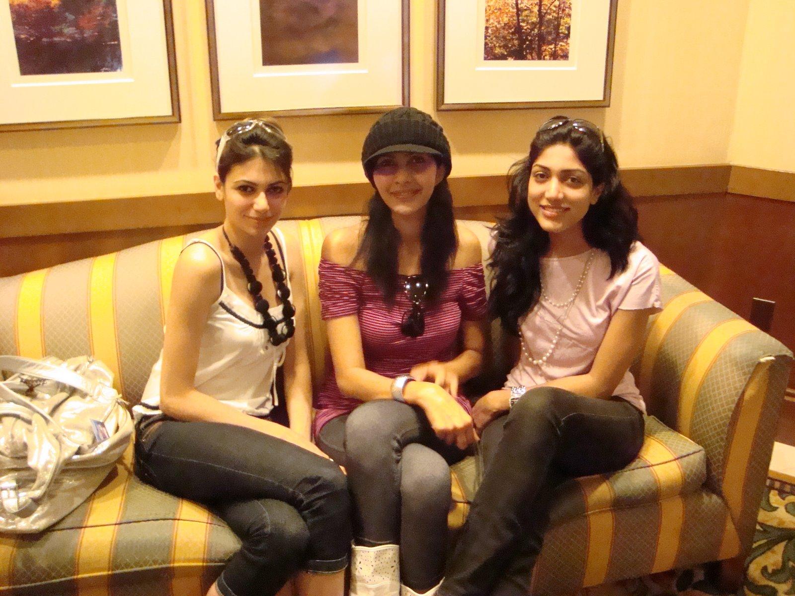 , Simran Kaur Mundi Real Life Pictures, Miss Universe Pictures