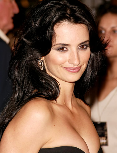 Celebrity: penelope cruz face