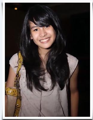 Pics / Foto / Gambar / Photo / Gallery Maudy Ayunda Hairstyle