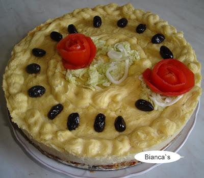 Articole culinare : Tort aperitiv cu carne tocata