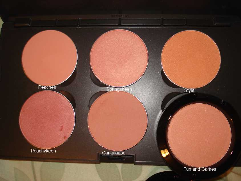 Extrêmement Productrater!: Review: MAC Fun and Games Beauty Powder Blush TR07