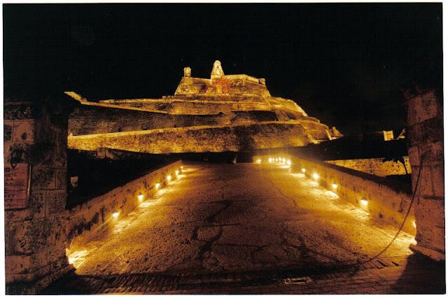 Castillo de San Felipe en la noche