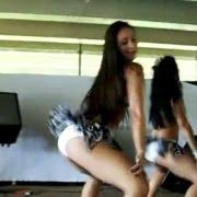 (video) Duas moreninhas dançando de sainha