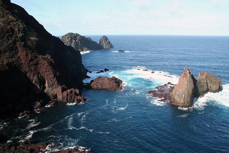 Ponta da Barca e Ilhéu da Baleia