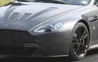 Aston Martin Vantage V12 Photo