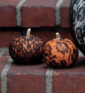 Ma Bicyclette: Make Your Own World   Pimp Your Halloween Pumpkin - lace pumpkins