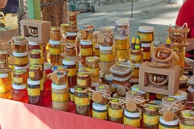 Honungsstånd på marknaden i Split