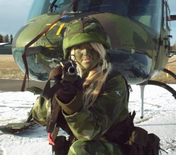 Những nữ cảnh sát dũng cảm xinh đẹp của các nước World%27s+Most+Bravest+Uniformed+Ladies+41