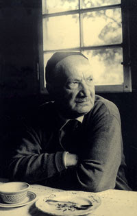 martin heidegger biography Hans-georg gadamer, born feb  after meeting martin heidegger in 1923, he  served as heidegger's assistant while continuing course work in philosophy and .