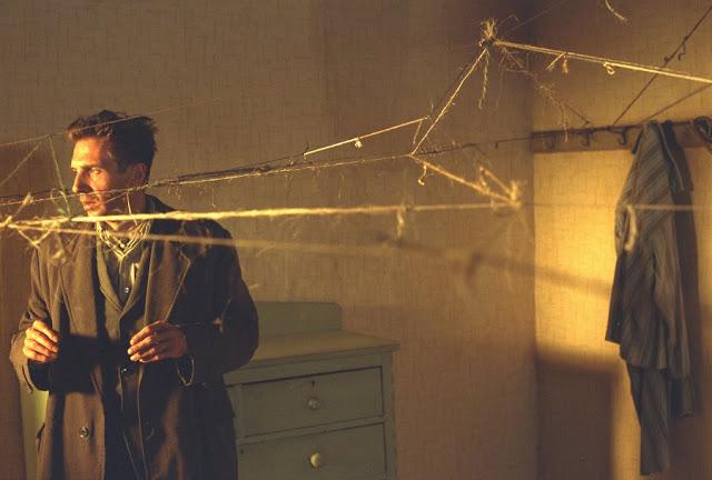 Ralph Fiennes stars in David Cronenberg's 'Spider' (2002)