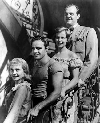Stanley Kowalsky con el resto del reparto de Un tranvía llamado      deseo