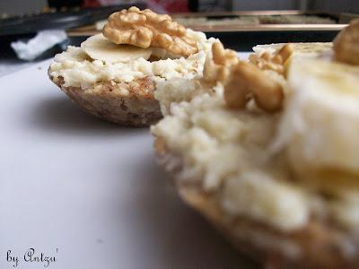 Articole culinare : Minitarte cu nuca de cocos