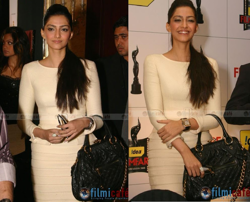 Sonam Kapoor sweater dress marc jacobs stam bag media press conference delhi