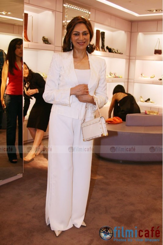Simi Garewal Grewal Louis Vuitton Suhali bag Farah Khan jewellery preview