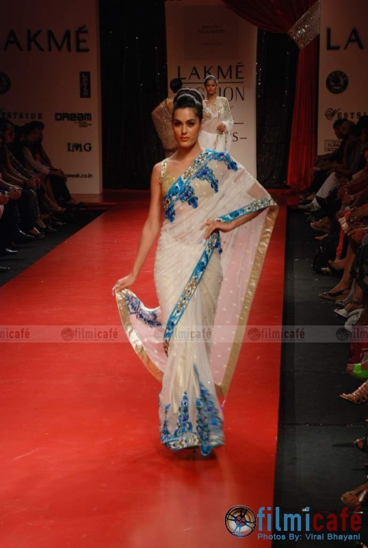 Manish Malhotra Lakme Fashion Week
