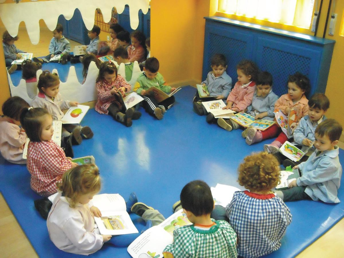 Educaci n infantil la organizaci n del espacio en el aula - Alfombras para jugar ninos ...