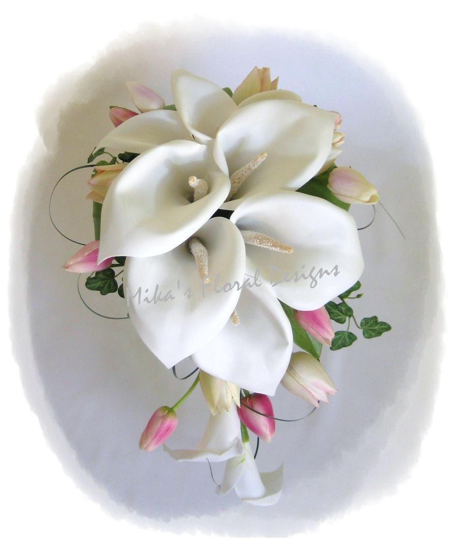 lily wedding flower arrangements Photo