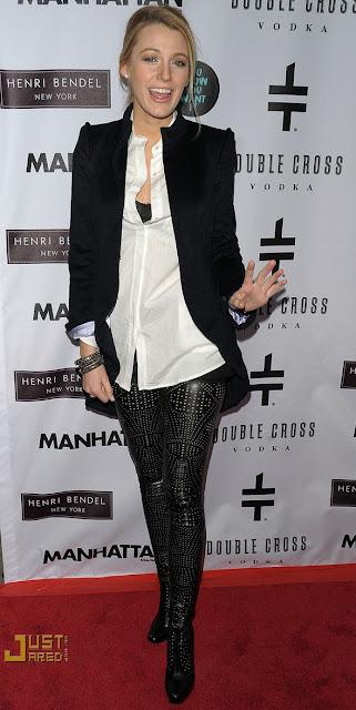 Blake Lively-Stella Boots-fashionablyfly.blogspot.com