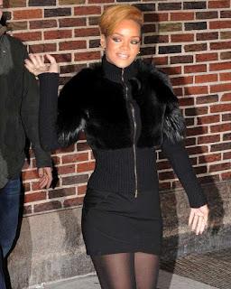 rihanna-fur-coat_fashionablyfly.blogspot.com