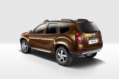 Dacia duster ecco il listino prezzi del model year 2011 for Dacia duster listino