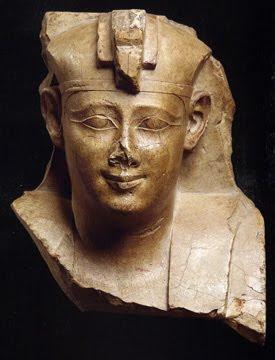 real+statue+33 Το βυθισμένο νησί των Πτολεμαίων και ο τάφος του Αλέξανδρου