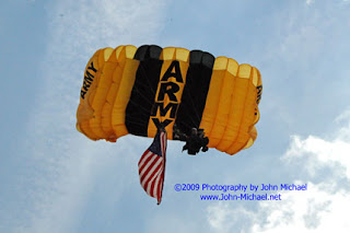 2009 GK MAY 23   001 US ARMY GOLDEN KNIGHTS PARACHUTE TEAM    20 & 21 JUN 2009