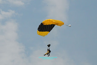 2009 GK 001 GOLDEN KNIGHTS US ARMY PARACHUTE TEAM = JUN 27   28