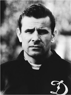 melayu boleh,Lev Yashin,goal keeper Lev Yashin,amazing goal keeper