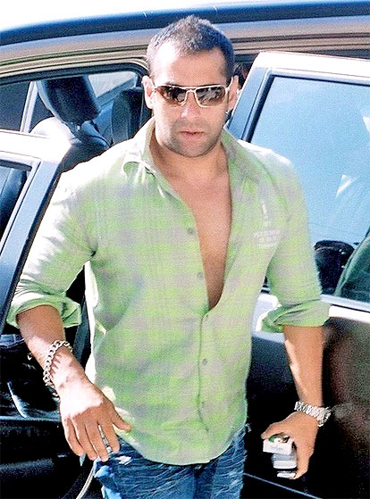 Salman Khan - Salman Khan Biography-Wallpapers