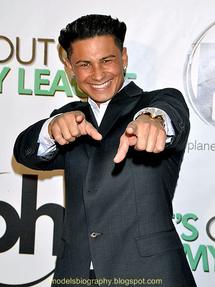 DJ Pauly D official website and blog