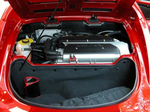 Umberto Sanna prova la Lotus Elise S MY 2013  Lotus-elise-111r-trunk