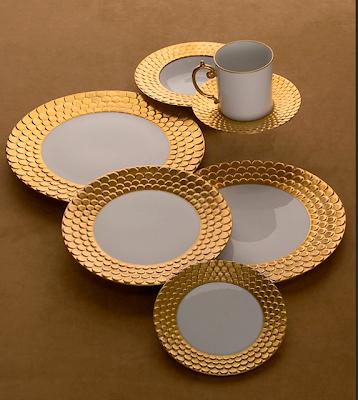 Estilos de Decoración VII - Página 38 L%27Object+Gold+Plates