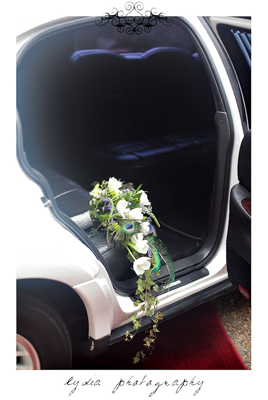 Bouquet and limousine at the Santa Rosa Wedding Expo
