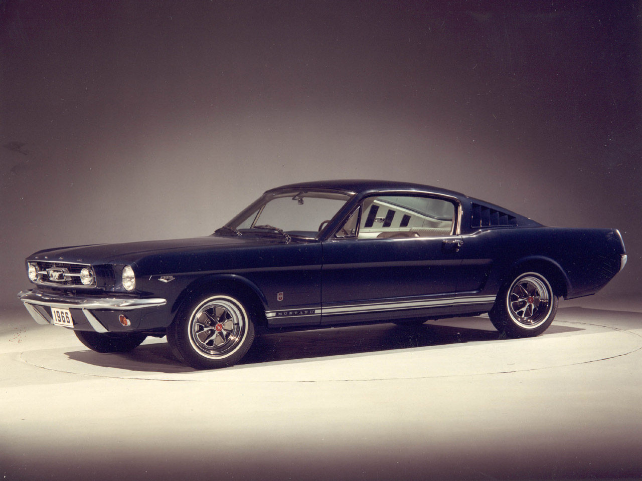 Ford Mustang Fastback Pictures