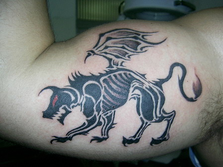 Griffin tattoo designs may differ in size and color, such tattoos look