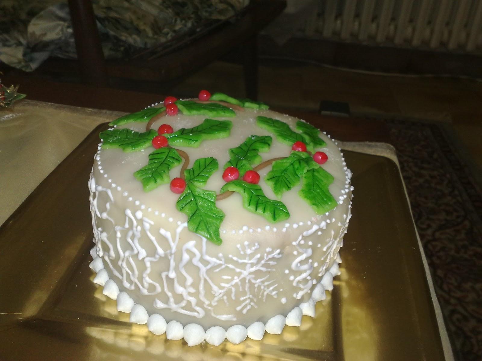 La rosa bulgara torta decorata per natale con marzapane e - Decorazioni torte con glassa ...