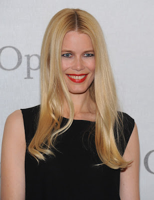 Claudia Schiffer Opera photo
