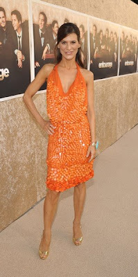 Perry Reeves Looks Great In This Tangerine Paillette Reem Acra