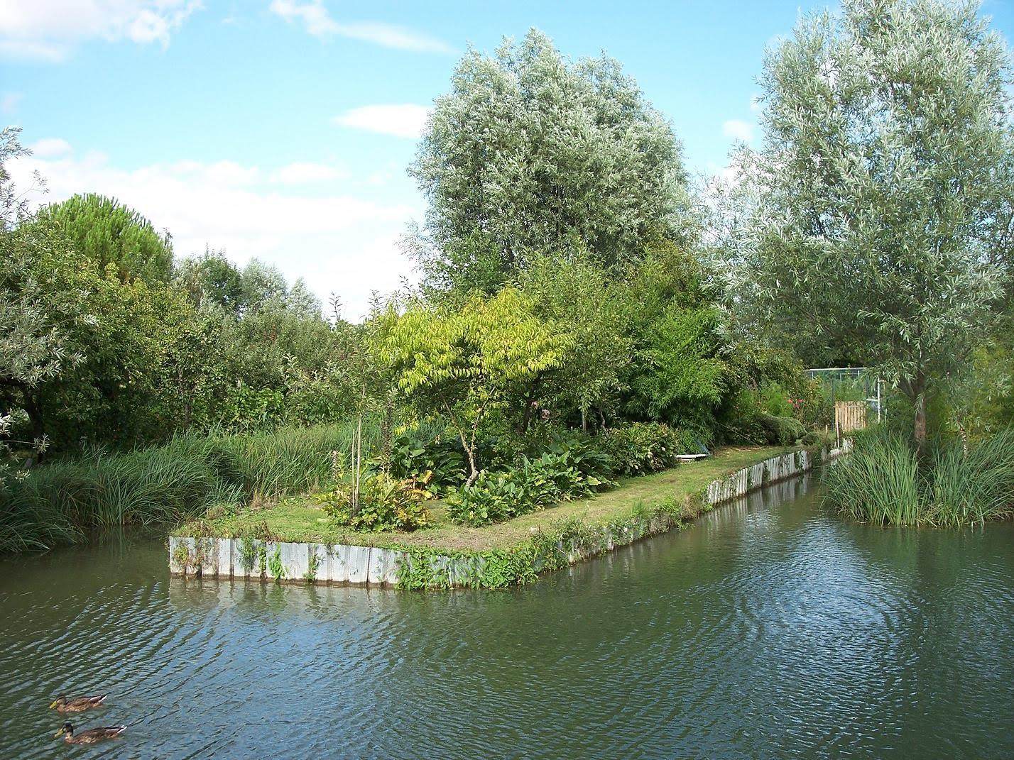 Le blog de parcs et jardins de l 39 oise les marais de bourges for Entretien jardin bourges