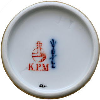 El cetro azul, emblema de la KPM