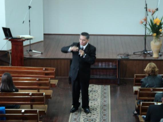 Pr. Moisés Rivero
