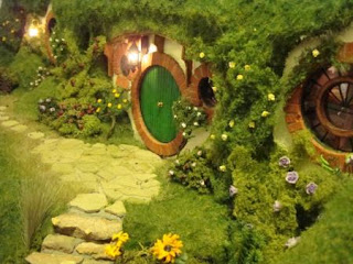 handcrafted Hobbit hole miniature Bag End from Lord of the Rings